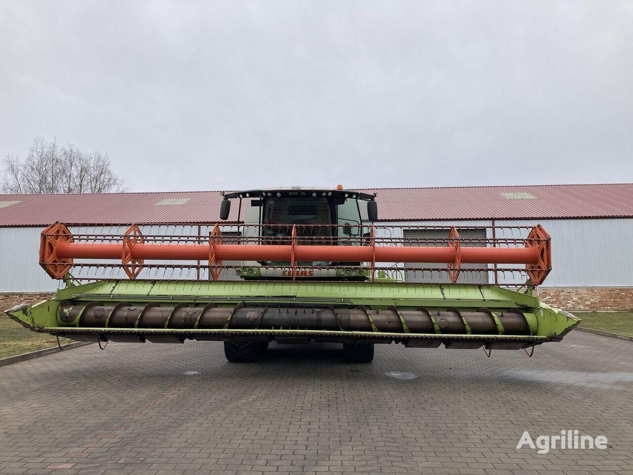 CLAAS Lexion 750TT grain harvester