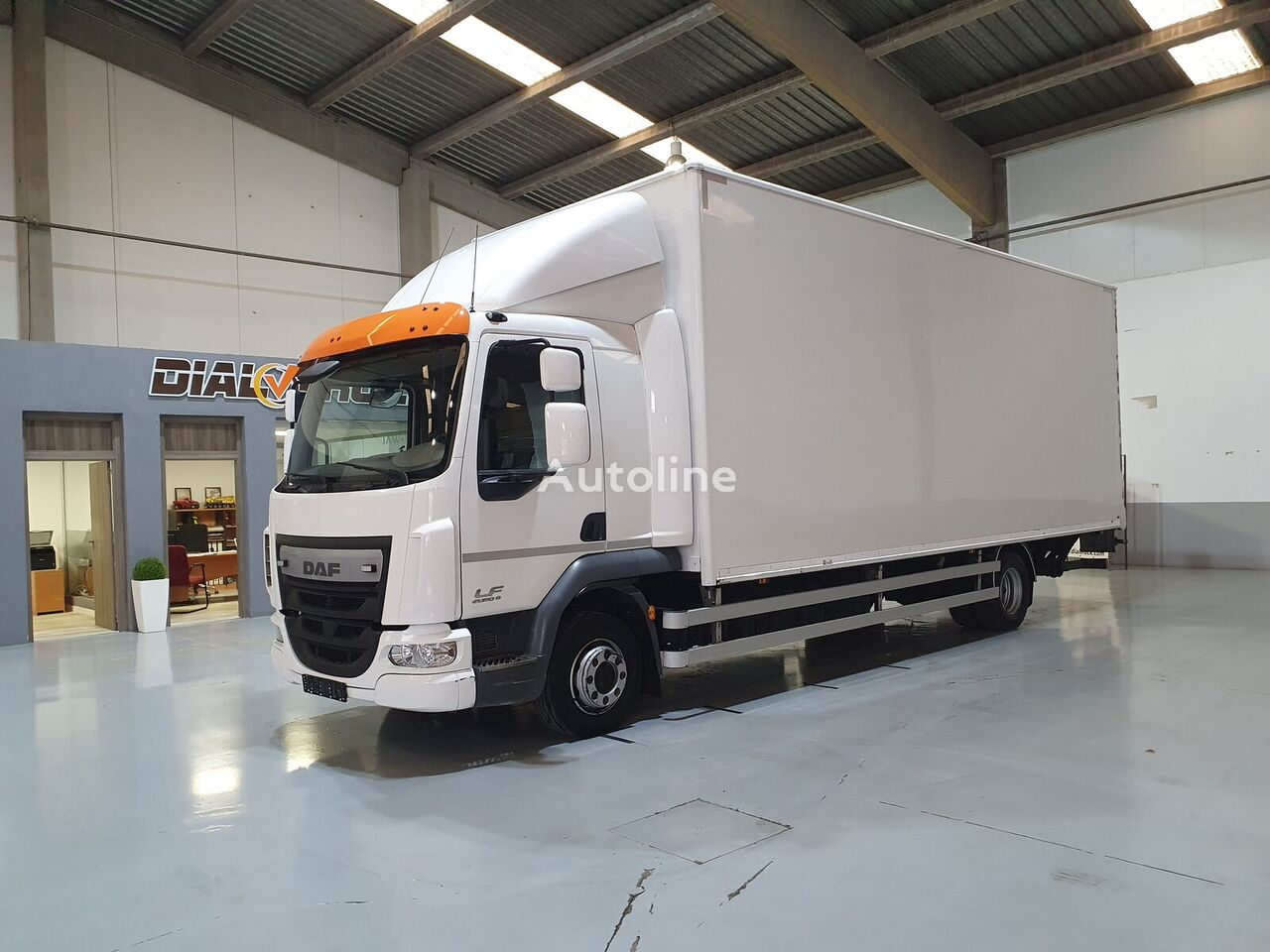 DAF LF 45 210 box truck